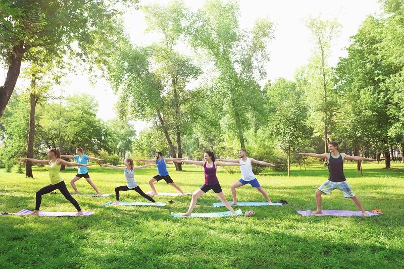 Frühjahrsaktion: Jetzt mit Yoga den Frühling wecken!