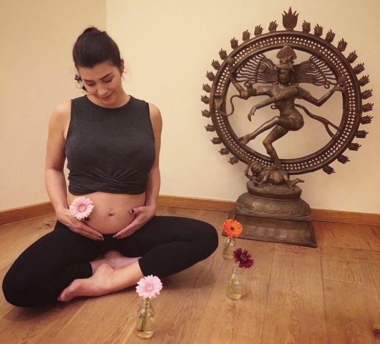 ** Prenatal Yoga mit Lara ab 7. April **