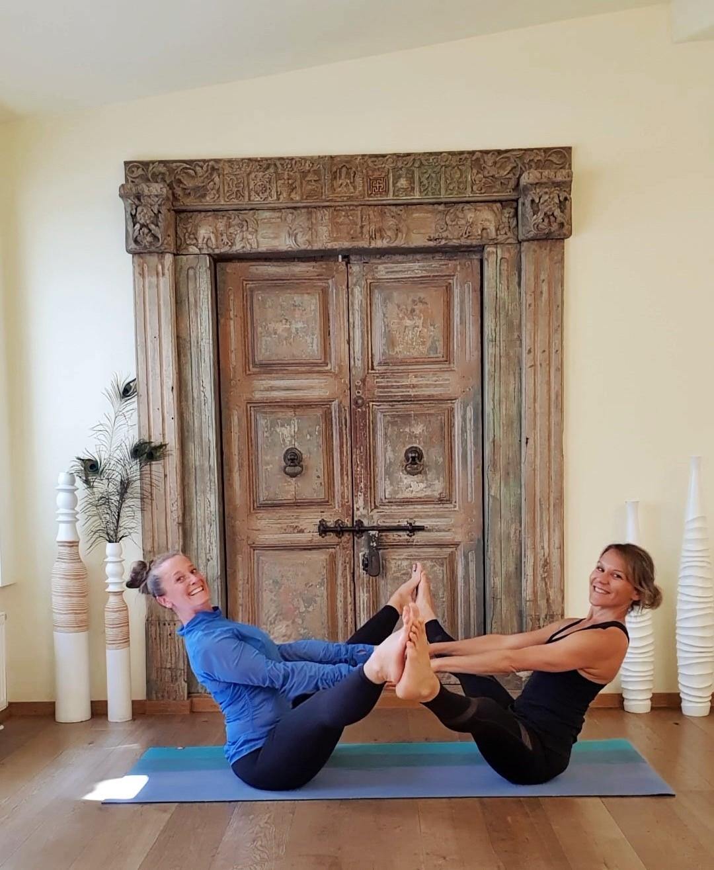 Tauche tiefer in die Welt des Yoga ein und werde Yolgalehrer!